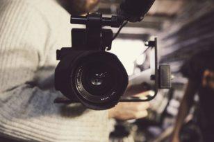 Produzione videoclip: affidati a Videomnia