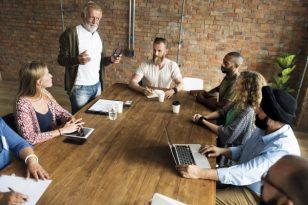 Comunicazione aziendale: le strategie per vendere all'estero