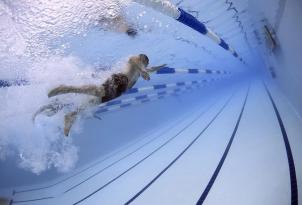 Tutti i vantaggi che ha il nuoto per la nostra salute